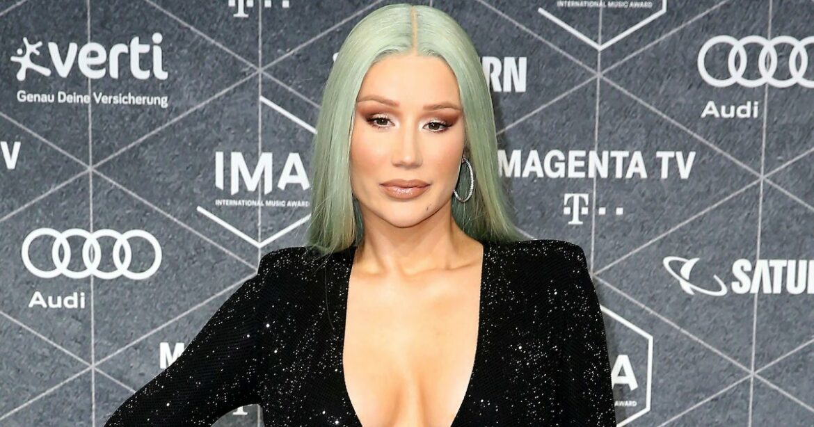 Iggy Azalea is 'Hell-Bent Focused' on Beauty for the Next Year or Two