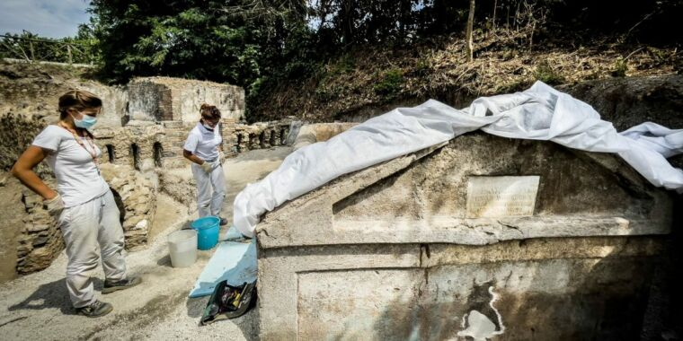 Pompeii tomb reveals formerly enslaved man's rise to wealth and power