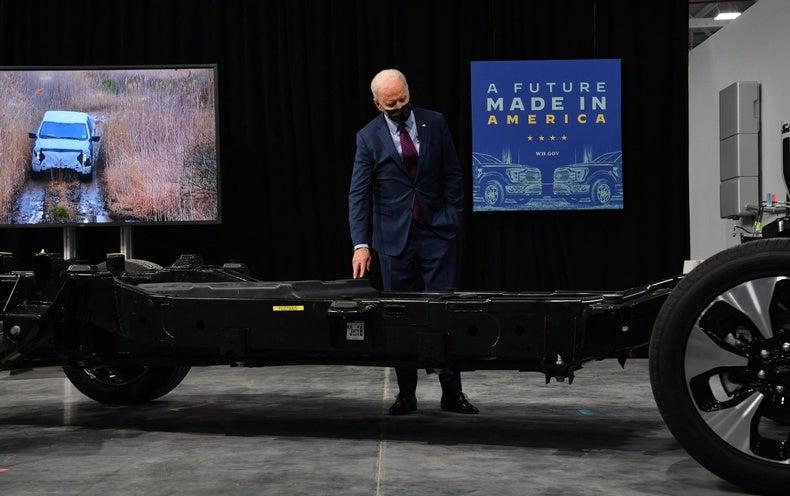Biden tightens vehicle emission standards