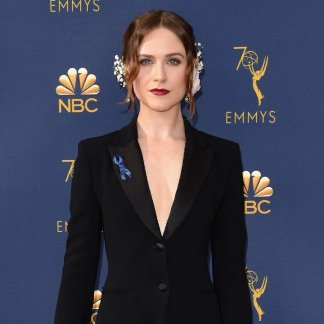 Evan Rachel Wood Gives Ex Marilyn Manson the Finger During Live Performance