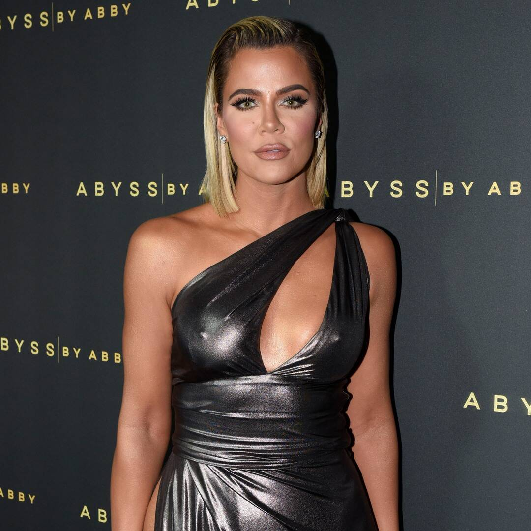 "Khloe Kardashian Sends a Cryptic Warning About ""Shady Bitches"""