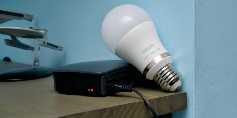 How I saved money on HomeKit smartbulbs with Philips Wiz and a Raspberry Pi