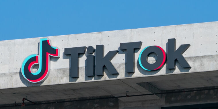 TikTok is gaining on YouTube, now leads in average watch time in the US