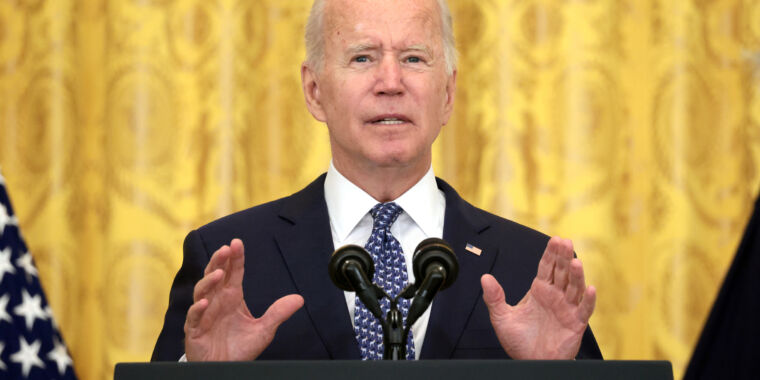 With COVID out of control, Biden unveils hefty vaccine mandates