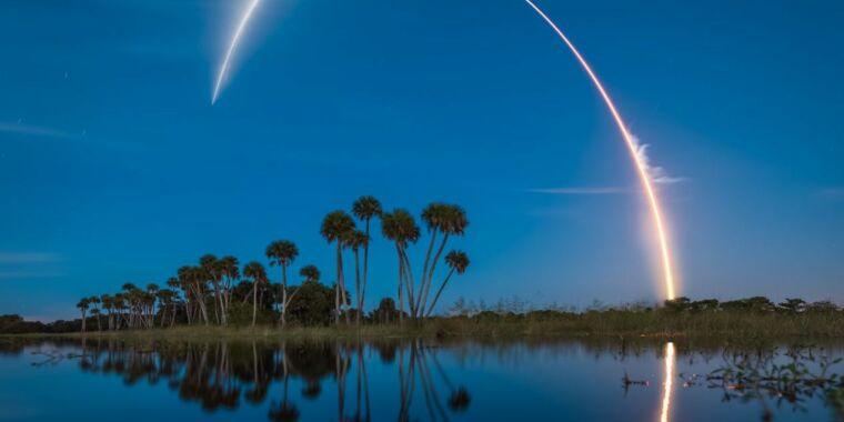 Rocket Report: Virgin Galactic delays flight, Falcon Heavy nets NASA mission