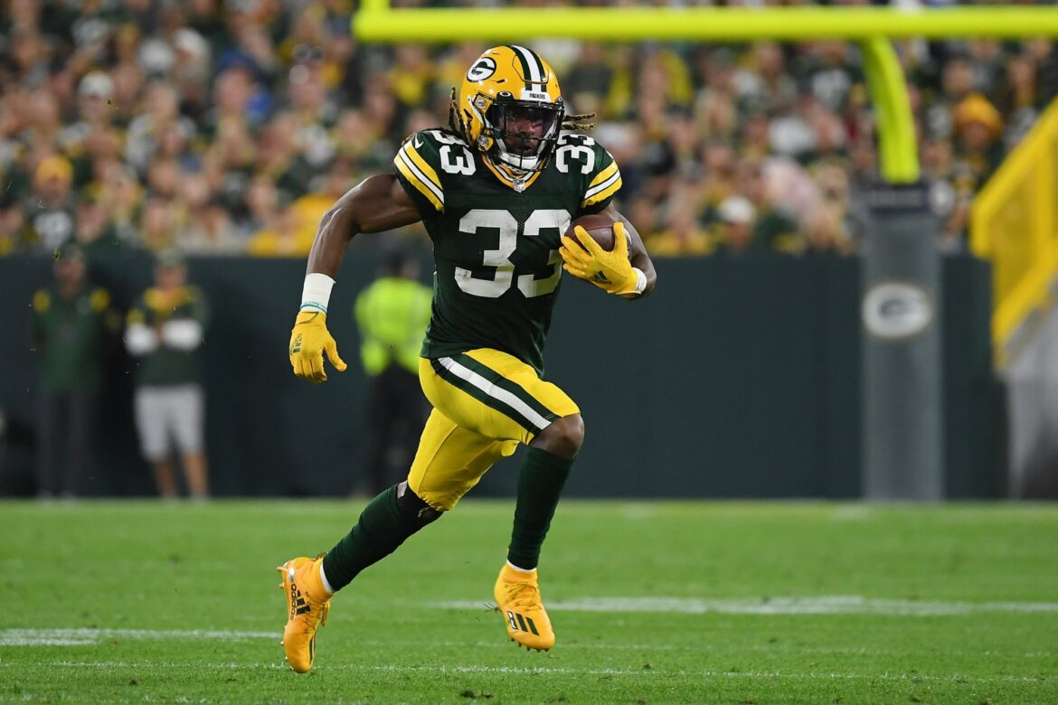 Aaron Jones tweets beautiful note about finding father's ashes