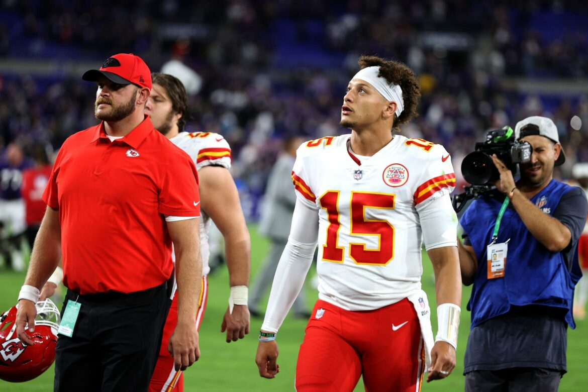 Patrick Mahomes lectured brother Jackson for dumping water on Ravens fans