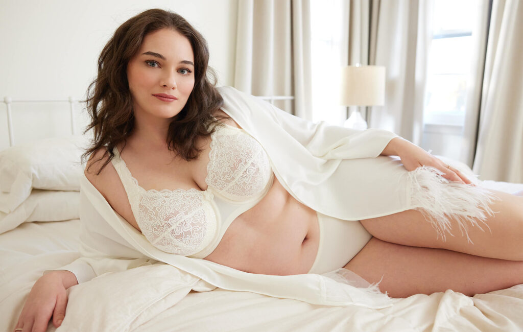 Look Like a Goddess on Your Wedding Night in These Stunning 4 Bridal Lingerie