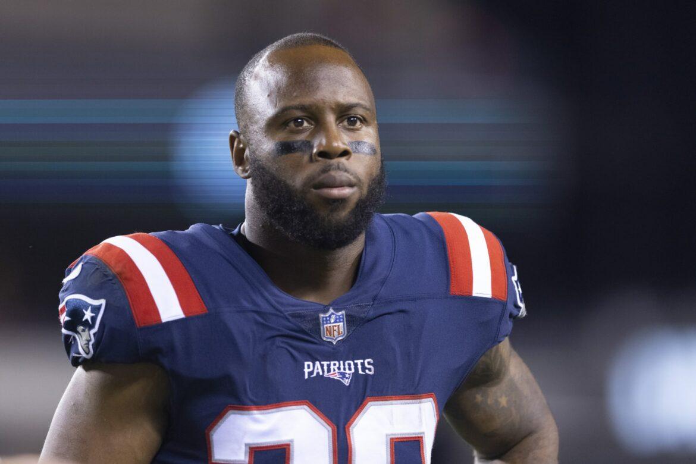 Patriots get tough injury update on James White
