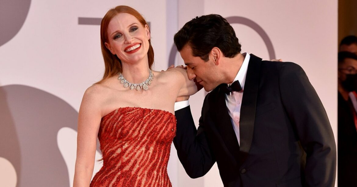 Wow! Jessica Chastain and Oscar Isaac Show Chemistry on Red Carpet