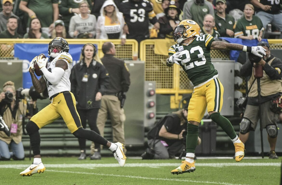 Jaire Alexander carted off for Green Bay Packers after big hit