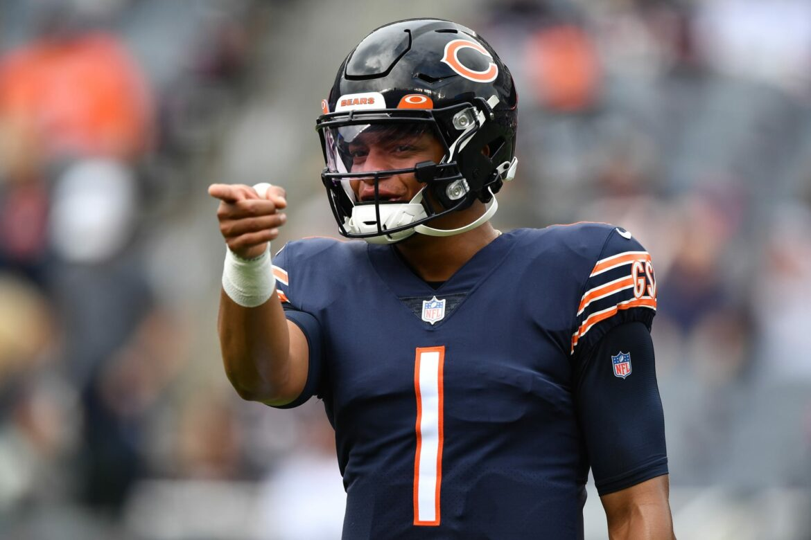 3 Justin Fields plays that will make Bears fans weep tears of joy