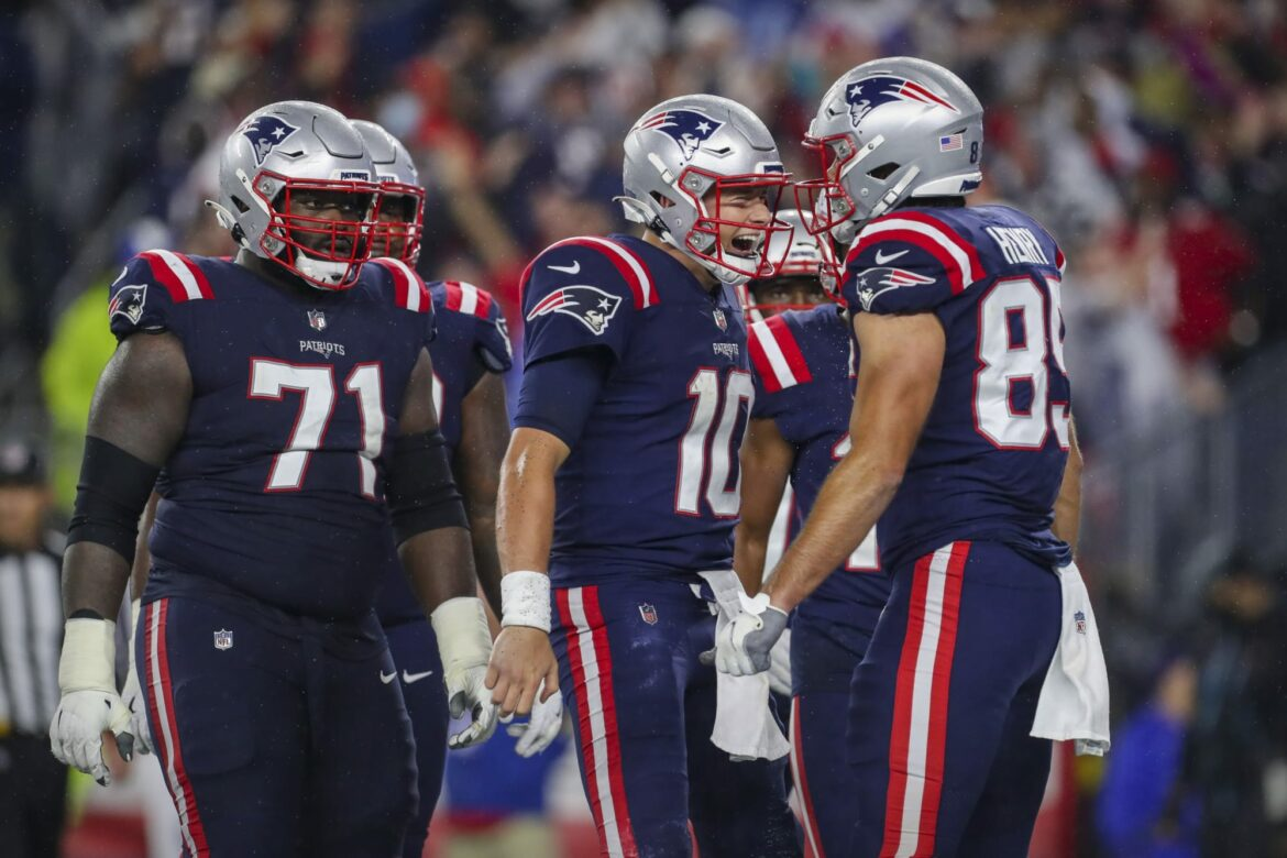 Patriots lose two starting OL to the COVID-19 list