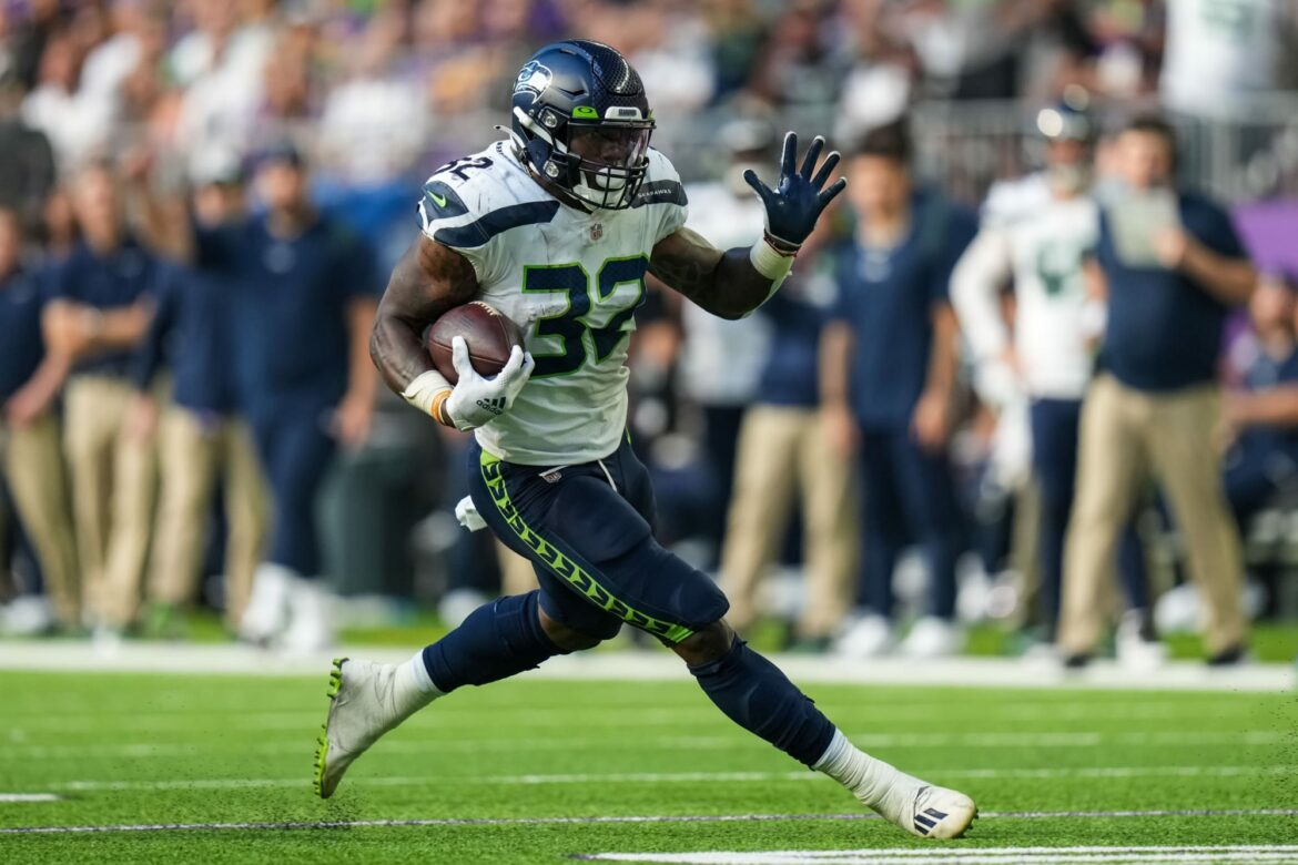 Seahawks RB Chris Carson injured, out for Thursday Night Football