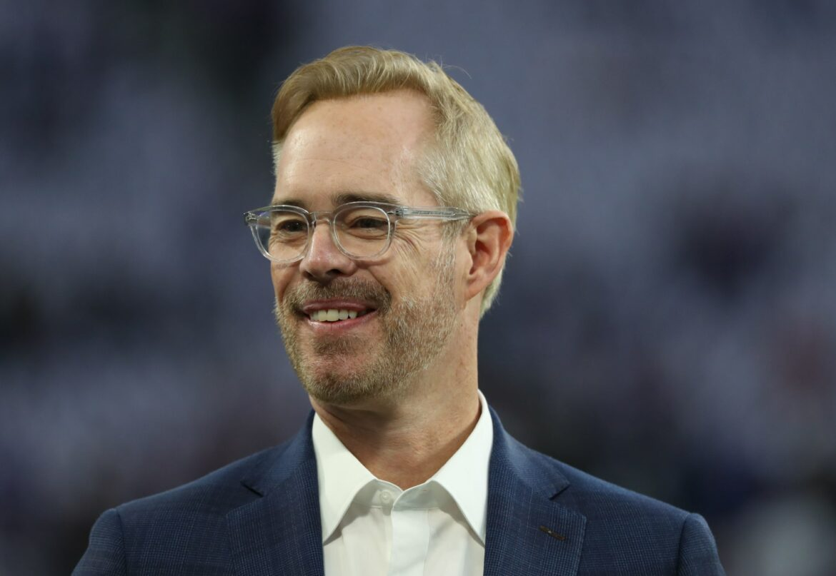 Joe Buck roasted himself before the fans had a chance to do it