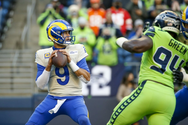 Matthew Stafford throws brutal interception against Seahawks (Video)