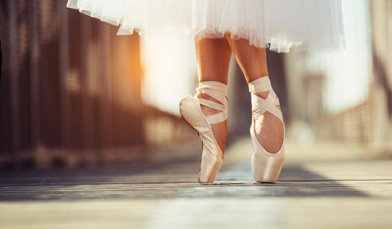 'Completely Wonderful': Noel Streatfeild's <em>Ballet Shoes</em>