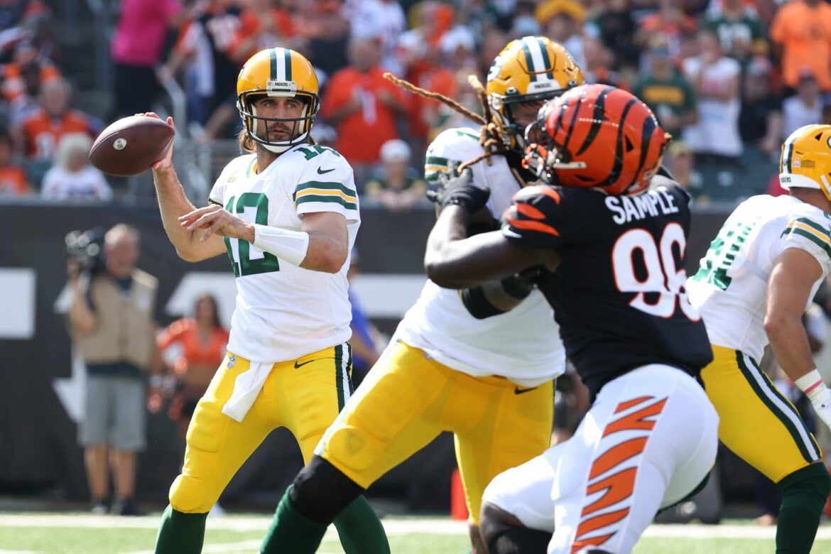 Packers, Aaron Rodgers showing they're Super Bowl favorites