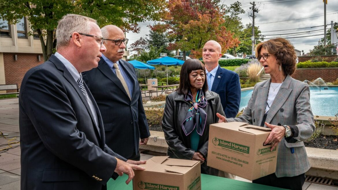 Island Harvest receiving greater than $470G from Hempstead for meals packing containers