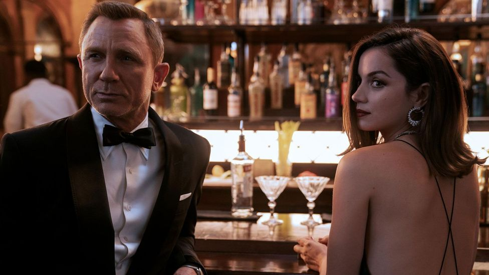 """Where to watch """"No Time to Die"""" free streaming online James Bond 007 full movie at home"""